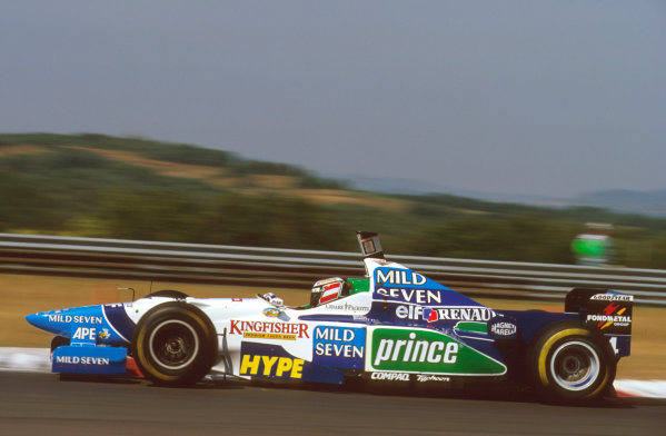 Hungaroring, Budapest, Hungary.9-11 August 1996.Gerhard Berger (Benetton B196 Renault) exited the race due to an engine failure.Ref-96 HUN 16.World Copyright - LAT Photographic