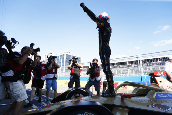 Jean-Eric Vergne (FRA), DS TECHEETAH, DS E-Tense FE19, celebrates after winning the 201-19 drivers championship
