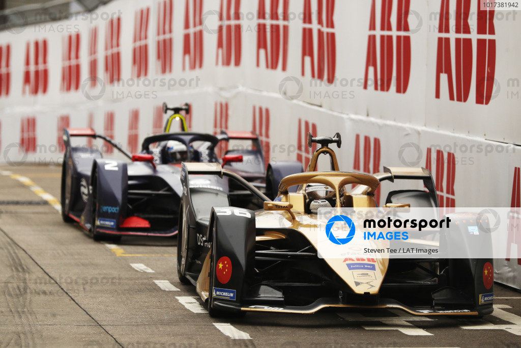 Andre Lotterer (DEU), DS TECHEETAH, DS E-Tense FE19, leads Sam Bird (GBR), Envision Virgin Racing, Audi e-tron FE05