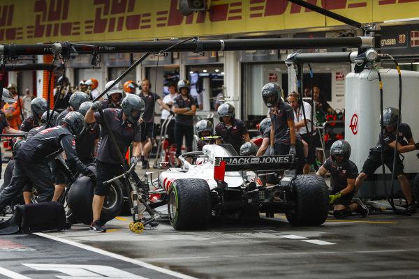 Romain Grosjean, Haas F1 Team VF-18 Ferrari pits.