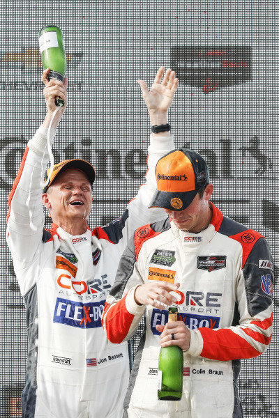 #54 CORE autosport ORECA LMP2, P: Jon Bennett, Colin Braun, podium, champagne