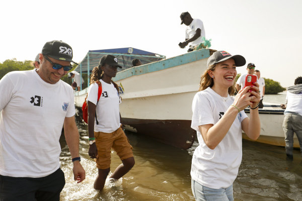 Kimmo Liimatainen, Team Principal, Rosberg X Racing, and Catie Munnings (GBR), Andretti United Extreme E, on the Oceanium Mangrove Legacy Project Visit