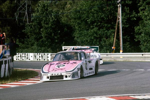 1980 Le Mans 24 Hours. Le Mans, France. 14th - 15th June 1980. Tetsu Ikuzawa/Rolf Stommelen/Axel Plankenhorn (Porsche 935 K3), retired, action.  World Copyright: LAT Photographic. Ref: 80LM18