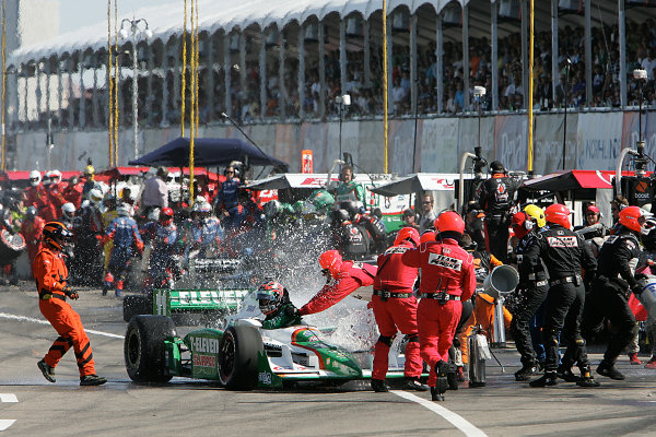 24-26, July, 2009, Edmonton, Alberta, CanadaCrews try to put the fire out on Tony Kanaan car© 2009 Perry Nelson, CanadaLAT Photographic