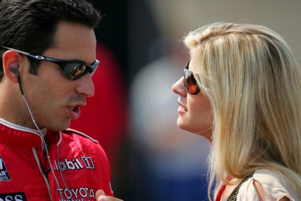 Helio Castroneves and his girlfriend before qualifying for the Firestone Indy 225, Nazareth Speedway, Nazareth, PA, 29, August, 2004.  04irl13