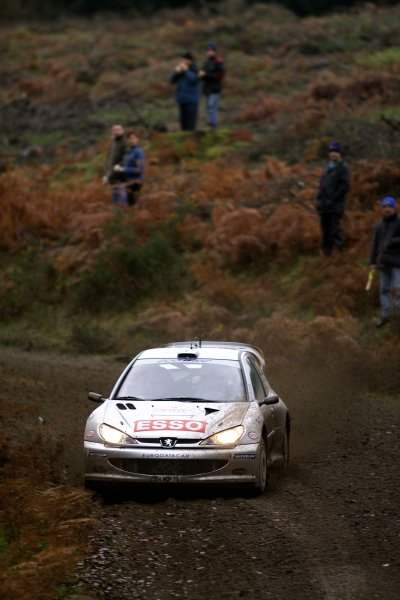 Rally of Great Britain. 22nd November 2000.Marcus Gronholm and Timo Rautiainen - Peugeot 206 WRC.World Copyright: Griffiths/ LAT Photographicref: 18mb digital.