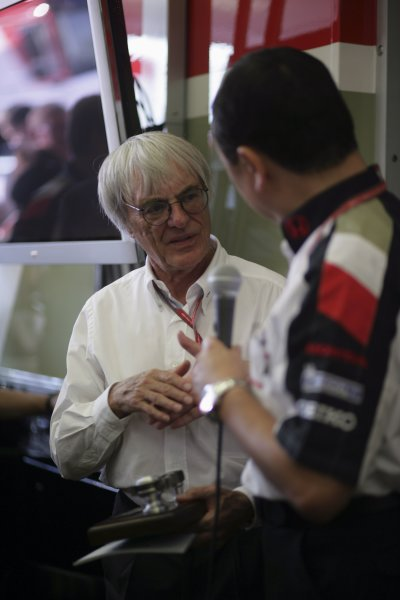 2006 German Grand Prix - Friday Practice Hockenheim, Germany. 27th - 30th July. Bernie Ecclestone and Yasuhiro Wada, portrait. World Copyright: Steven Tee/LAT Photographic ref: Digital Image VY9E3172