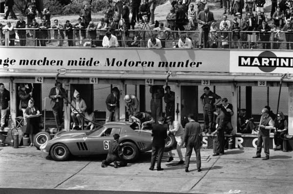 Nurburgring, Germany. 23rd May 1965.Mike Salmon / Chris Kerrison (Ferrari 250 GTO//64), retired, pit stop, action.World Copyright - LAT Photographic.Ref: L65 / 208 / 12