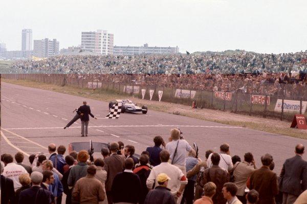1969 Dutch Grand Prix.Zandvoort, Holland. 19-21 June 1969.Jackie Stewart (Matra MS80-Ford Cosworth), 1st position.World Copyright: LAT PhotographicRef: 35mm transparency 69HOL06