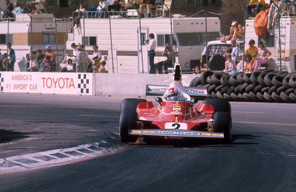 Long Beach, Calfornia, USA.26-28 March 1976.Clay Regazzoni (Ferrari 312T) 1st position.Ref-76 LB 03.World Copyright - LAT Photographic