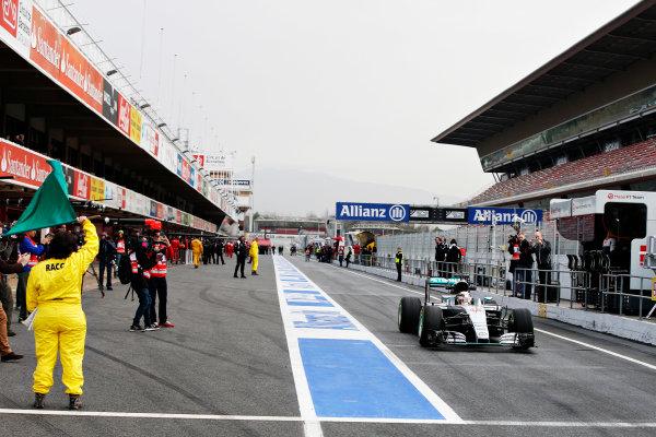 Circuit de Catalunya, Barcelona, Spain Monday 22 February 2016. Lewis Hamilton, Mercedes F1 W07 Hybrid. World Copyright: Glenn Dunbar/LAT Photographic ref: Digital Image _W2Q0656