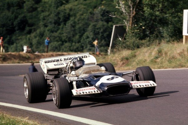 1970 French Grand Prix.Clermont-Ferrand, France.3-5 July 1970.Graham Hill (Lotus 49C Ford) 10th position.Ref-70 FRA 33.World Copyright - LAT Photographic