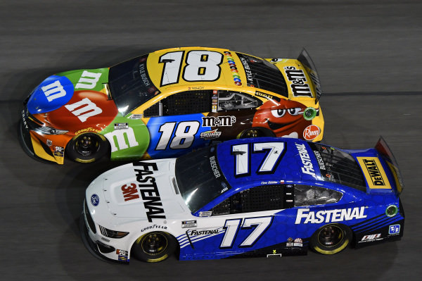 #17: Chris Buescher, Roush Fenway Racing, Ford Mustang Fastenal #18: Kyle Busch, Joe Gibbs Racing, Toyota Camry M&M's