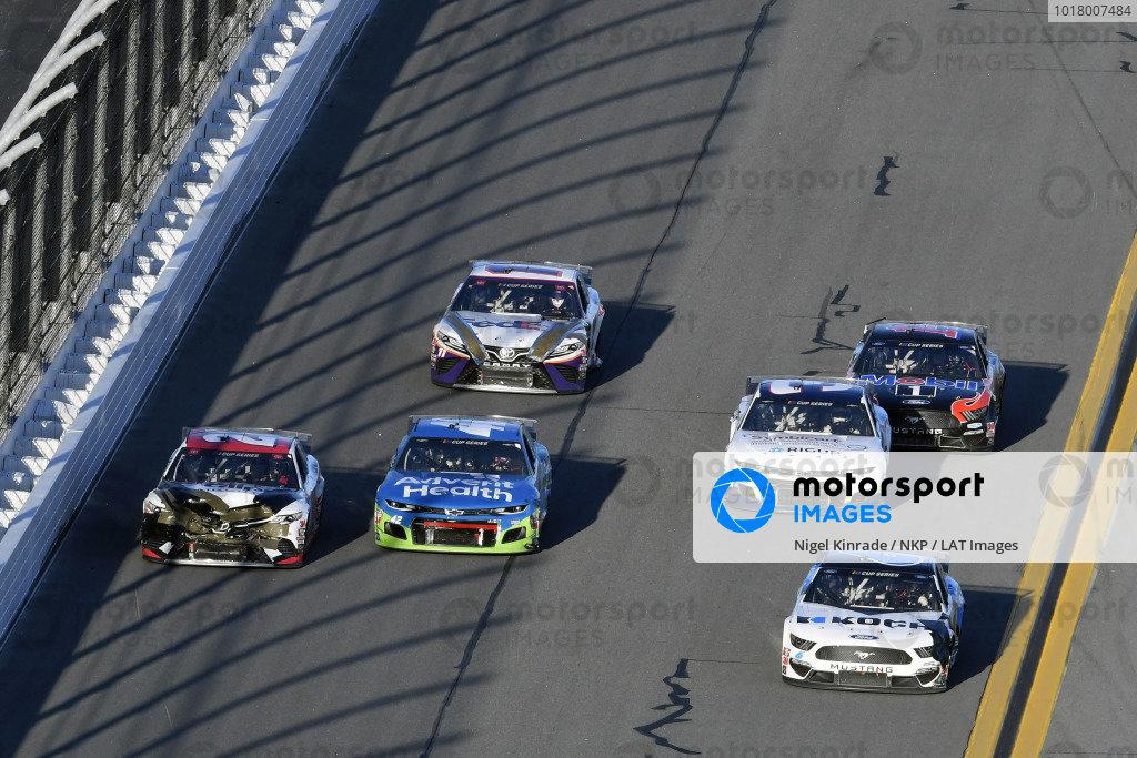 #6: Ryan Newman, Roush Fenway Racing, Ford Mustang Koch Industries and #20: Erik Jones, Joe Gibbs Racing, Toyota Camry Sports Clips