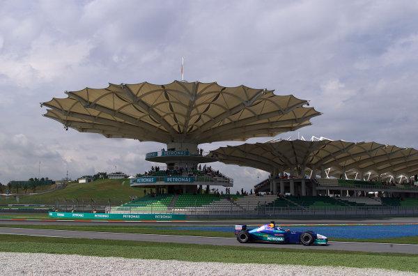 2001 Malaysian Grand Prix.Sepang, Kuala Lumpur, Malaysia. 16-18 March 2001.Kimi Raikkonen (Sauber C20 Petronas).World Copyright - Steve Etherington/LAT Photographic.ref: 18mb Digital Image