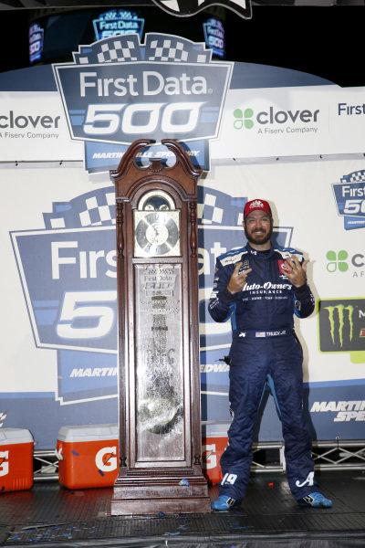 #19: Martin Truex Jr., Joe Gibbs Racing, Toyota Camry Auto Owners Insurance