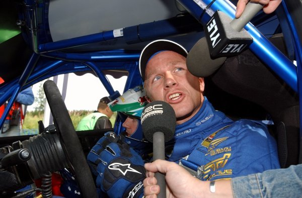 Petter Solberg (NOR), Subaru, is interviewed by Channel 4's Penny Mallory (GBR) at the finish line of the final stage.