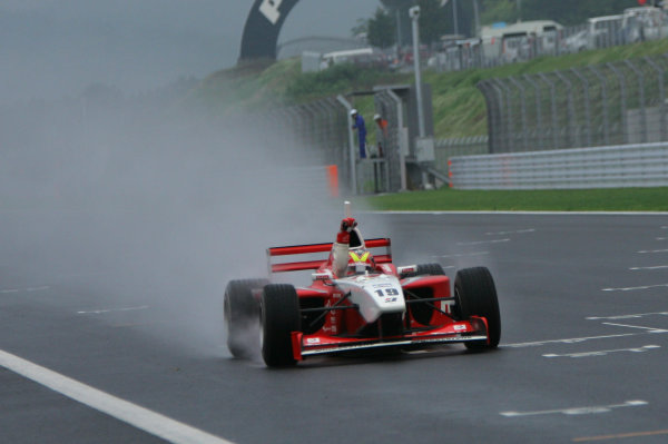 2005 Formula Nippon ChampionshipFuji, Japan. 4th - 5th June 2005 Race winner - Benoit Treluyer (mobilecast IMPUL) 1st, action World Copyright: Yasushi Ishihara/LAT Photographicref: Digital Image Only