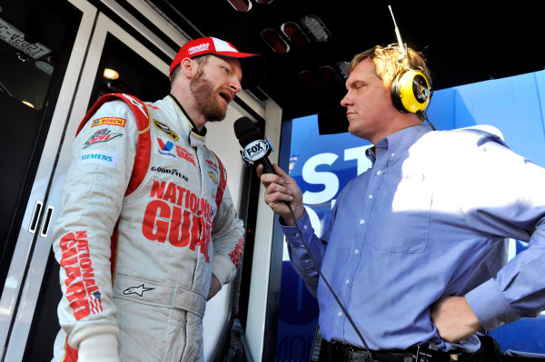9-10 January 2014, Daytona Beach, Florida, USA Dale Earnhardt, Jr and Bob Dillner ©2014, Nigel Kinrade LAT Photo USA
