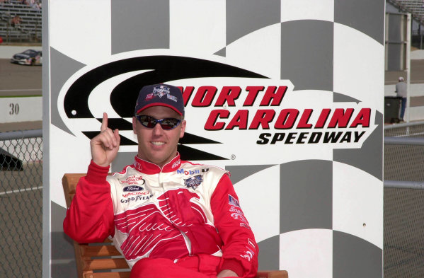 2000 NASCAR Winston Cup. North Carolina Speedway, Rockingham, NC, USA. 20th - 22nd October 2000. Rd 31. Jeremy Mayfield (Mobil 1 / World Series 2000 Ford), pole position, portrait.   World Copyright: Robt LeSieur / LAT Photographic.