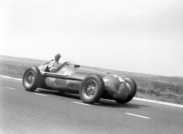 1950 French Grand PrixReims-Gueux, France. 2 July 1950.Giuseppe Farina (Alfa Romeo 158). Ref: B&W negative no. C27333.World Copyright: LAT Photographic