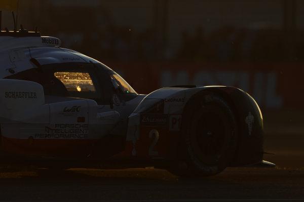 2017 Le Mans 24 Hours Circuit de la Sarthe, Le Mans, France. Saturday 17 June 2017 #2 Porsche Team Porsche 919 Hybrid: Timo Bernhard, Earl Bamber, Brendon Hartley World Copyright: Rainier Ehrhardt/LAT Images ref: Digital Image 24LM-re-10592