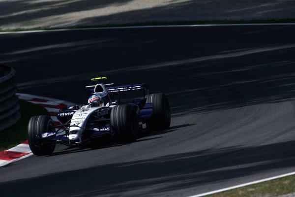 2007 Italian Grand Prix - Friday PracticeAutodromo di Monza, Monza, Italy.7th September 2007.Alex Wurz, Williams FW29 Toyota. Action. World Copyright: Steven Tee/LAT Photographicref: Digital Image YY2Z8333