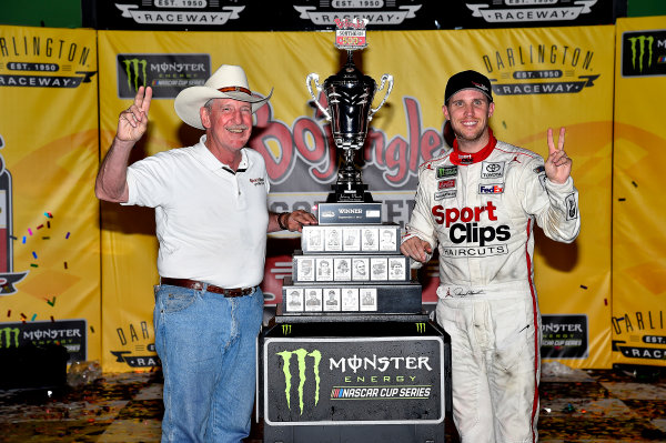 Monster Energy NASCAR Cup Series Bojangles' Southern 500 Darlington Raceway, Darlington, SC USA Sunday 3 September 2017 Denny Hamlin, Joe Gibbs Racing, Sport Clips Toyota Camry wins. World Copyright: Rusty Jarrett LAT Images