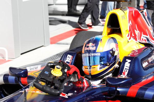 2014 GP3 Series. Round 8.   Sochi Autodrom, Sochi, Russia. Sunday Race 2 Sunday 12 October 2014. Alex Lynn (GBR, Carlin). Photo: Sam Bloxham/GP3 Series Media Service. ref: Digital Image _G7C7631