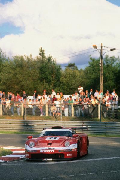 Le Mans, France. 14th - 15th June 1997.Pierluigi Martini/Christian Pescatori/Antonio Hermann (Porsche 911 GT1), 8th position, action. World Copyright: LAT Photographic.Ref:  97LM14.