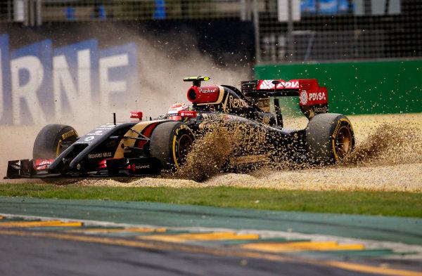 Albert Park, Melbourne, Australia. Saturday 15 March 2014. Pastor Maldonado, Lotus E22 Renault spins into the gravel. World Copyright: Steven Tee/LAT Photographic. ref: Digital Image _L4R2077