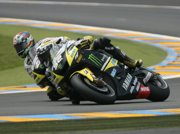 Le Mans, France. 16th - 17th May 2009.Monster Yamaha Tech 3 team mates James Toseland and Colin Edwards battle.World Copyright: Martin Heath/LAT Photographicref: BPI_Moto 8a6d