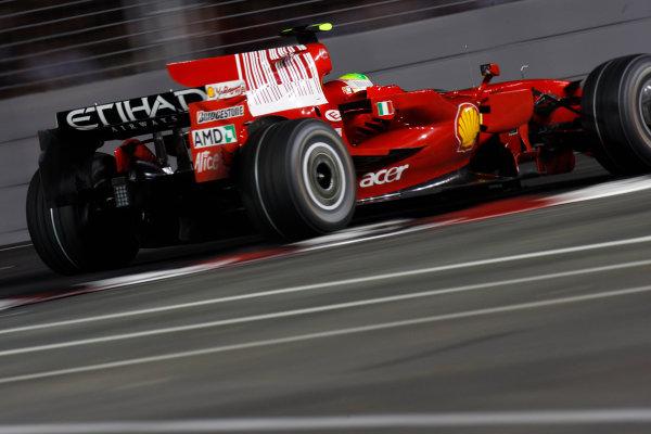 2008 Singaopore GP - Friday PracticeMarina Bay Circuit, Singapore, Singapore.26th September 2008.Felipe Massa, Ferrari F2008. Action. World Copyright: Glenn Dunbar/LAT Photographicref: Digital Image _O9T0667