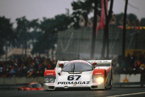 1992 Le Mans 24 Hours. Le Mans, France. 20th - 21st June 1992. Otto Altenbach/Jurgen Lassig/Pierre Yver (Porsche 962C), 10th position, action.  World Copyright: LAT Photographic. Ref:  92LM11.