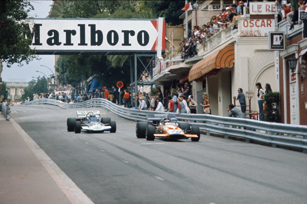 1971 Monaco Grand Prix.  Monte Carlo, Monaco. 20th-23rd May 1971.  Peter Gethin, McLaren M14A Ford, leads John Surtees, Surtees TS9 Ford, into Mirabeau.  Ref: 71MON65. World Copyright: LAT Photographic