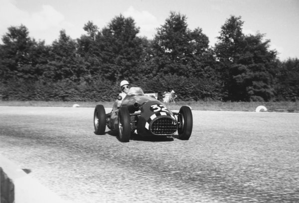 1952 Italian Grand Prix. Monza, Italy. 7 September 1952. Stirling Moss (Connaught A-type-Lea-Francis), retired, action. Ref-52/41 #31. World Copyright - LAT Photographic