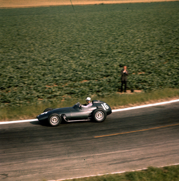 1958 French Grand Prix.Reims, France.4-6 July 1958.Harry Schell (BRM P25).Ref-3/0072.World Copyright - LAT Photographic