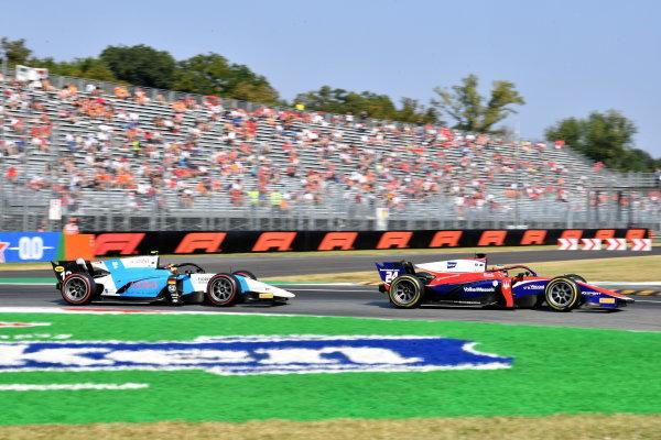 Bent Viscaal (NLD, Trident) Robert Shwartzman (RUS, Prema Racing)