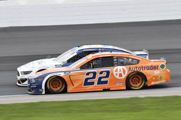 #34: Michael McDowell, Front Row Motorsports, Ford Mustang Horizon Hobby, #22: Joey Logano, Team Penske, Ford Mustang Autotrader
