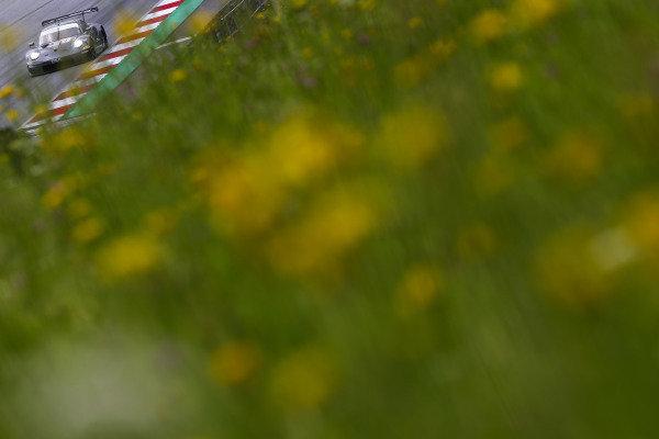 #88 Gianluca Roda / Giorgio Roda / Matteo Cairoli PROTON COMPETITION D Porsche 911 RSR