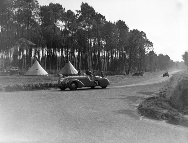 Daniel Porthault / Louis Rigal, E. Darl'Mat, Peugeot 302 DS.