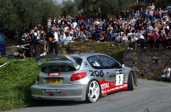 2002 World Rally Championship.Rallye d'Italia, 20-22 September.Sanremo, Italy.Richard Burns during shakedown.Photo: Ralph Hardwick/LAT